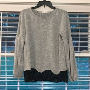 Maurices Gray Balloon Sleeve Top w Lace Hem | M |